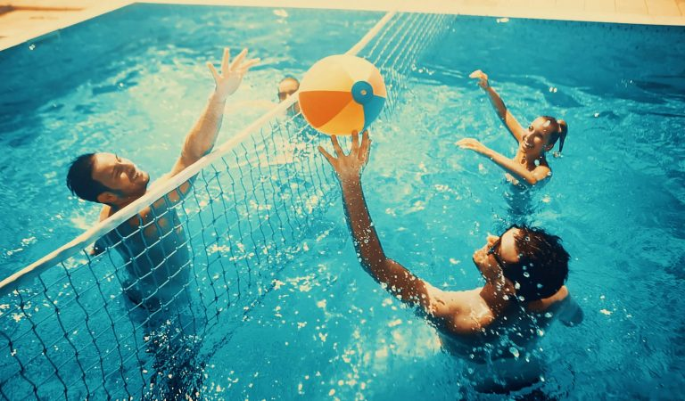 7 Fun Outdoor Games for College Students