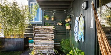 outdoor shower with hot water