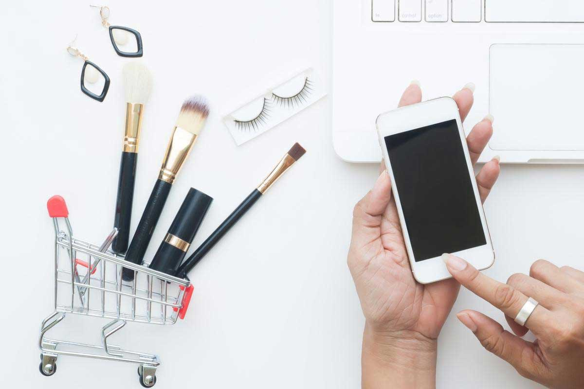 Tips to follow while you shop cosmetics online
